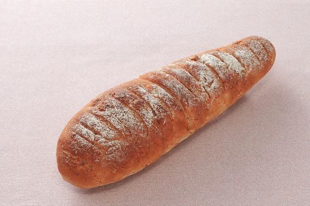 人参とクルミのフランスパン